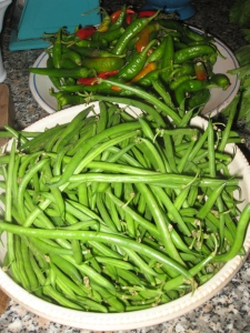 Fresh green beans and cornetti (peppers)